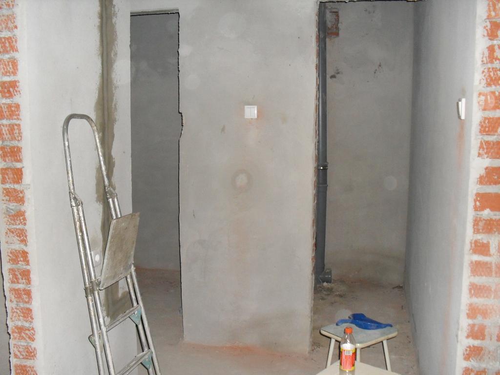 коридор в квартире с черновой отделкой