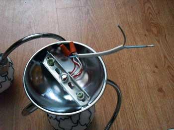 как повесить люстру к потолку без крюка